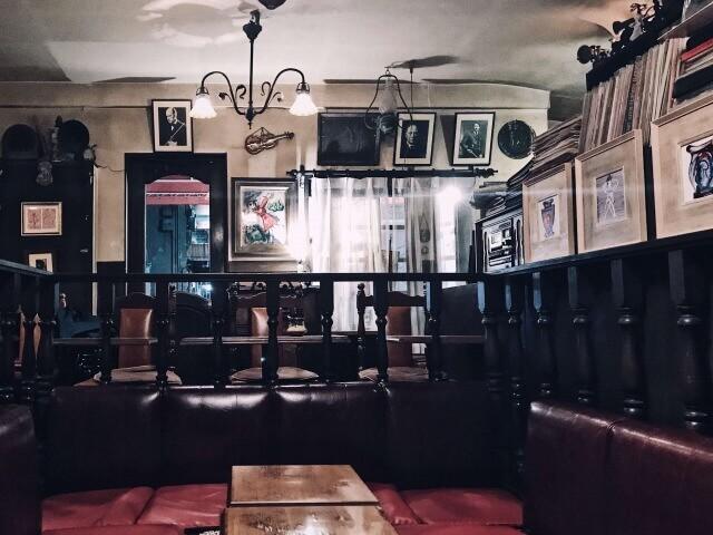 名曲喫茶ヴィオロン・ステージ