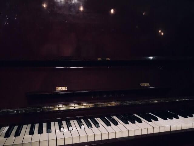 名曲喫茶ヴィオロン・ピアノ